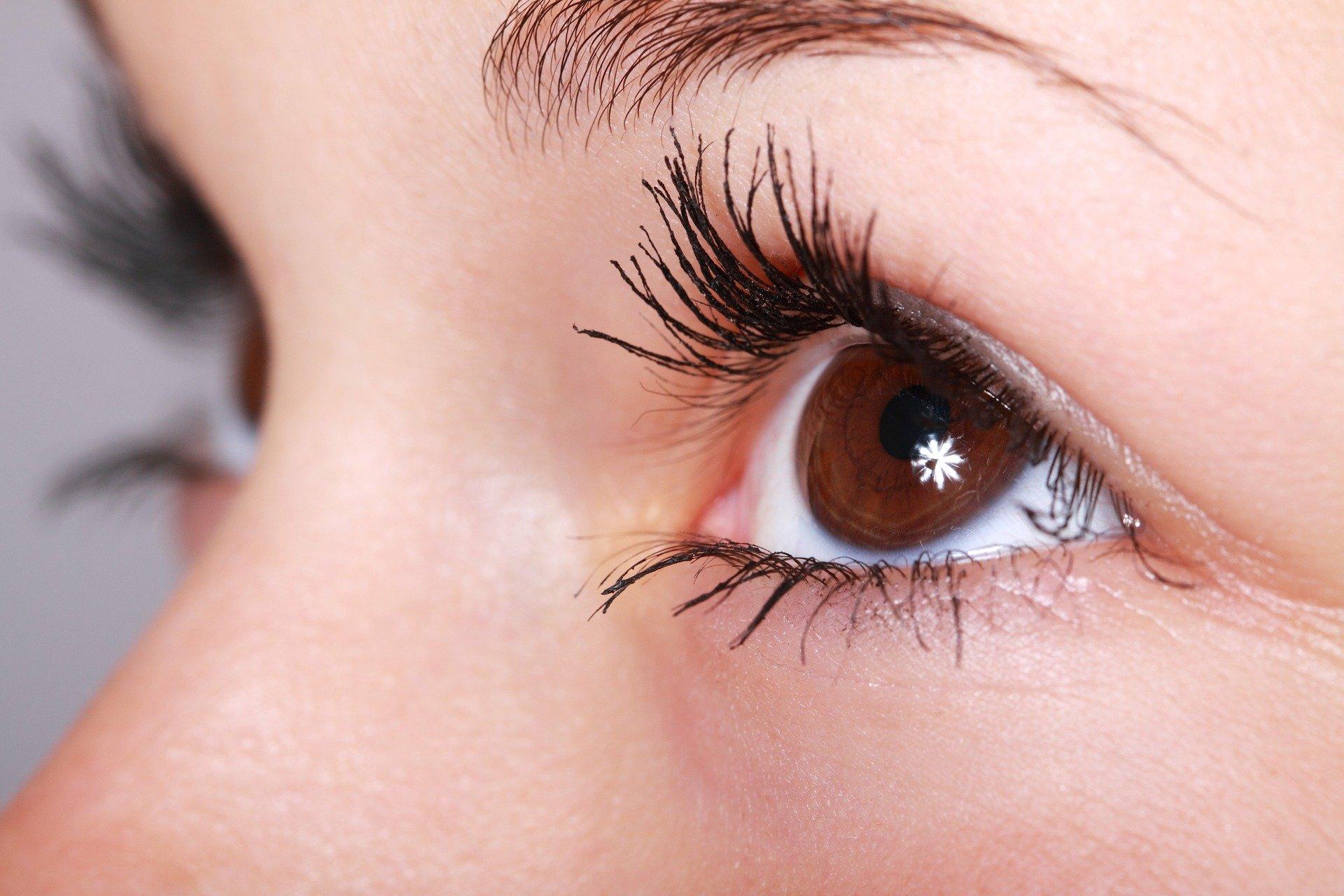 Contorno de ojos antiedad